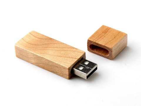 usb stick aus holz mit ihrem firmenlogo perfekt als. Black Bedroom Furniture Sets. Home Design Ideas