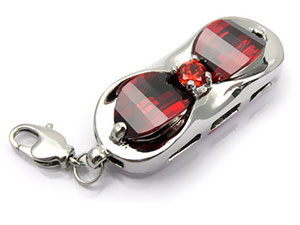 Silberner Schmuck USB Stick mit roten Schmucksteinen