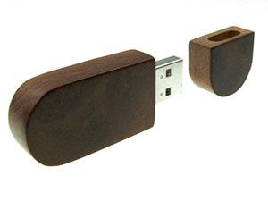 USB Stick aus Holz mit Logo in Wurzelholz Optik