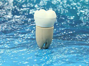 USB Stick Zahn Medizin