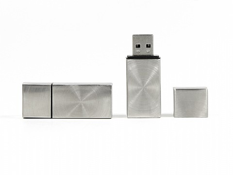 metall usb stick robust gebuerstet stabil mit logo bedrucken