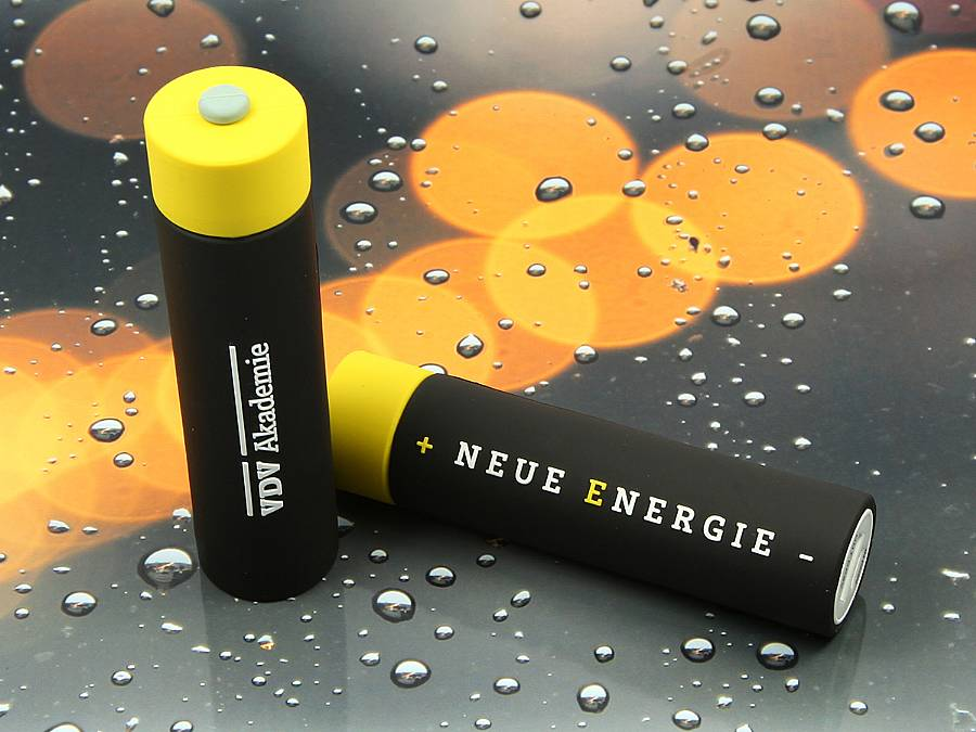 usb stick batterie creativ gelb schwarz logo