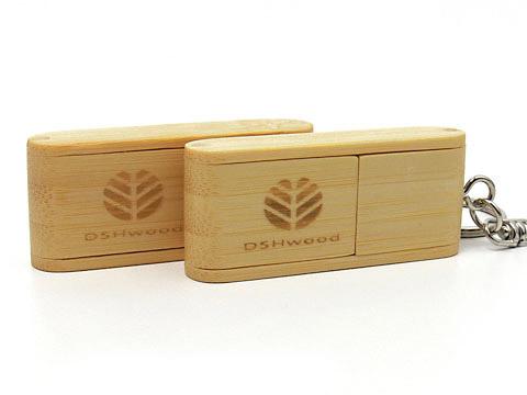 Holz-09 USB-Stick braun graviert, Holz.09