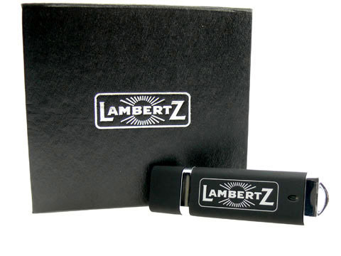 Kunststoff USB-Stick schwarz Magnetklappbox, Kunststoff.10, famous,