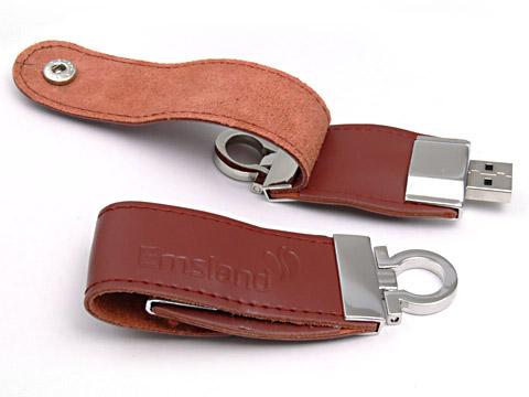 Leder USB-Stick braun gepaegt druckknopf Schlüsselanhänger, Leder.03