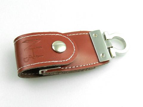 Leder-USB-Stick in braun Logo-Praegung, Leder.03