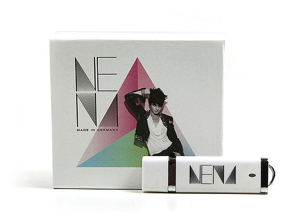 NENA vollflächig bedruckt usb-stick verpackung weiss, K01 Magnetklappbox, famous,