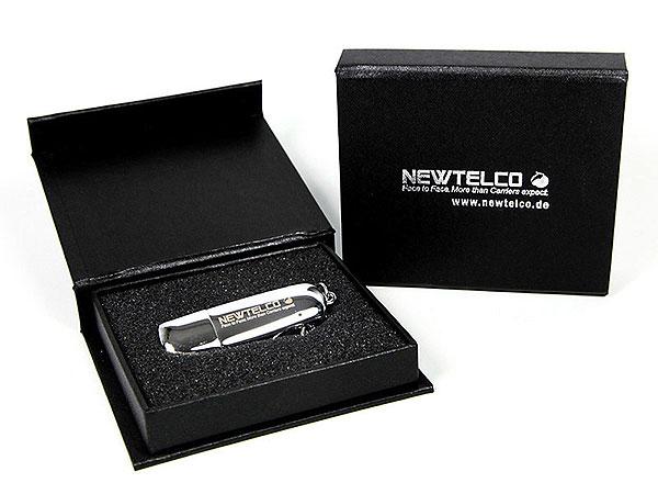 Hochglanz Metall USB Stick, mit Schlüsselanhänger, oval und schlicht