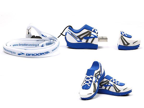 sportlich, Schuhe, Sportschuh, Turnschuh, blau, weiß, Tennisschuhe, CustomProdukt, PVC