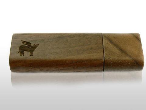 dunkler Holz-USB-Stick mit graviertem Logo, Holz.02
