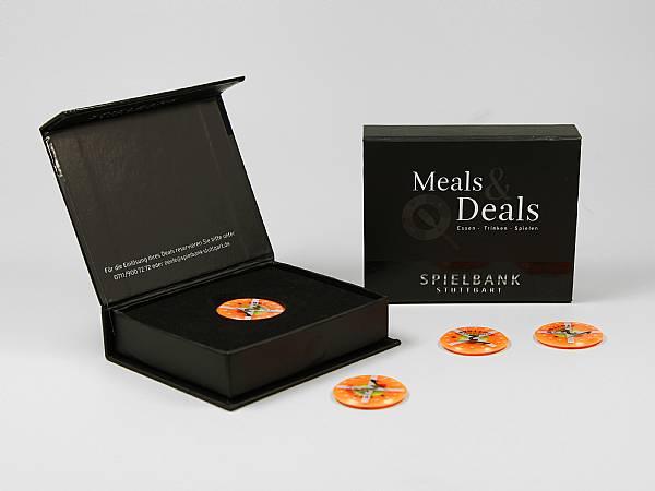 geschenkverpackung box schwarz kasino logo weiss.JPG