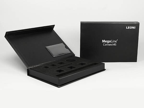geschenkverpackung box schwarz visitenkartenfach logo silber