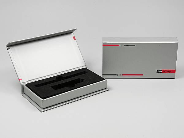 geschenkverpackung box silber logo.JPG
