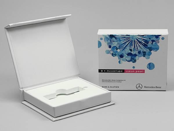 geschenkverpackung box weiss logo druck farbig.JPG
