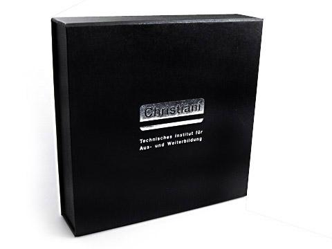 Geschenkverpackung schwarz Christiani silberner Aufdruck, Individuelle Klappbox