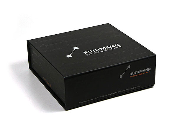 Geschenkverpackung UV-Lack schwarz bedruckt, Individuelle Klappbox
