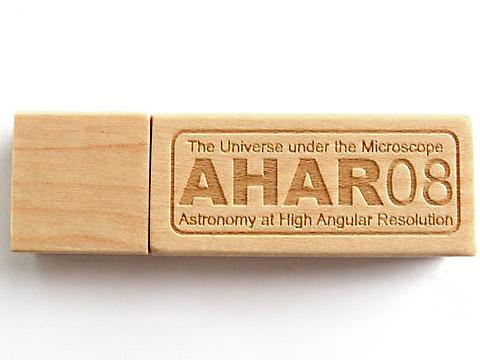 Holz USB-Stick mit Tiefengravur hellbraun, deckel, Holz.01