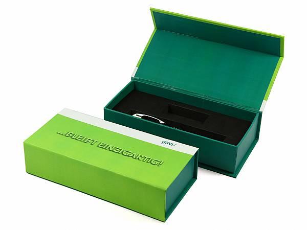 geschenkverpackung geschenkbox digitaldruck logo bedruckt individuell klappbox verpackung gruen dunkelgruen box