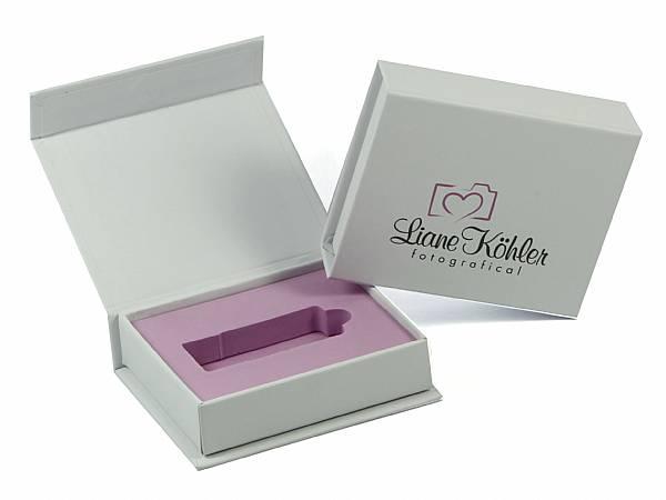 klappbox weiss innen rosa logo köhler