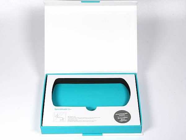 klappbox firmenfarbe bedruckt schaumstoff inlay papier