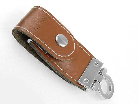 Leder-USB-Stick braun praegung Firmenlogo, Leder.03
