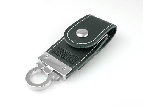 Leder-USB-Stick schwarz gepraegt Metro, Leder.03