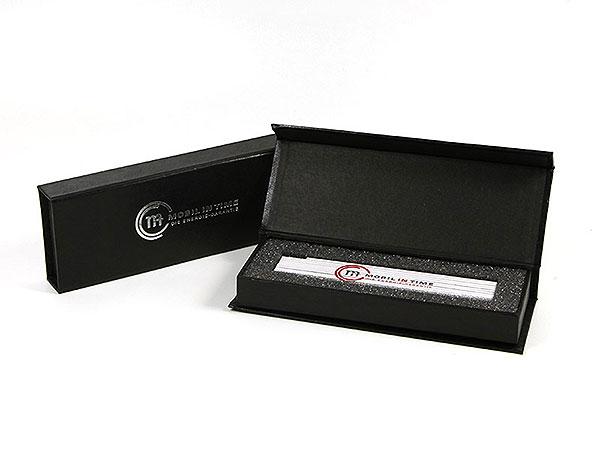 Meterstabverpackung mit silbernem Aufdruck, Individuelle Klappbox