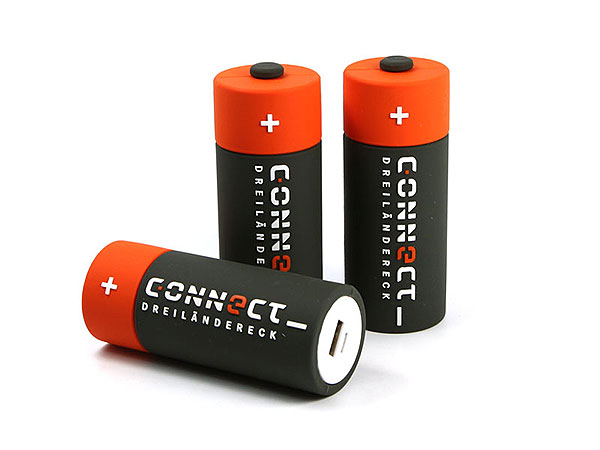 Creative Powerbank PowerCell, Invidueller Powerbank, Mobiler Akku in Batterieform
