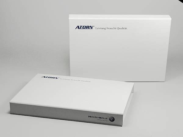 produktverpackung geschenk weiss box logo