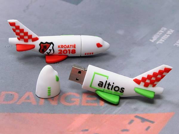 usb stick flugzeug reisen transport fliegen logo