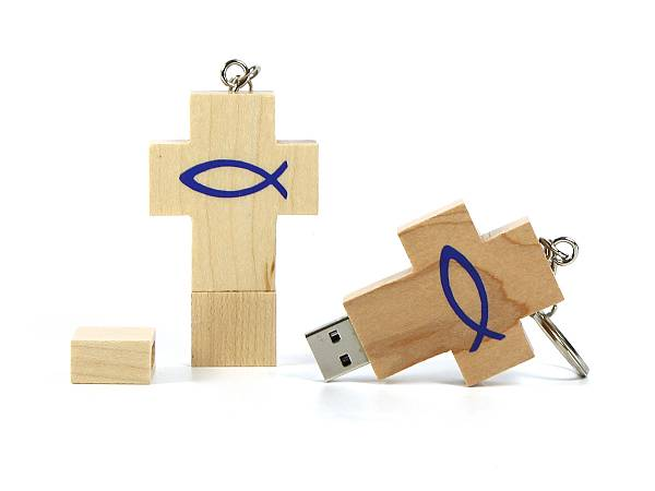 Holz USB Stick in Kreuzform, USB Stick Holzkreuz