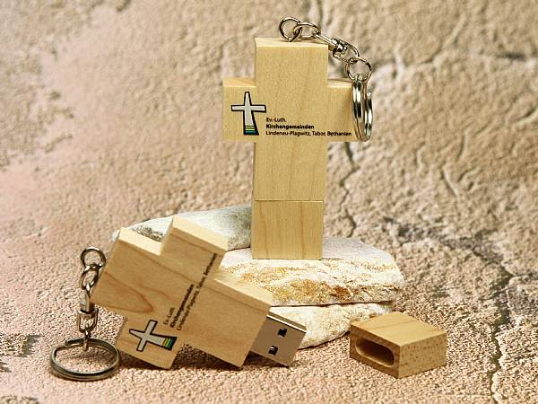 usb stick holzkreuz kreuz kirche glauben