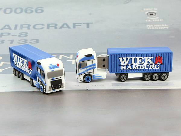 usb stick lkw truck blau logo individuell custom sonderanfertigung spedition container