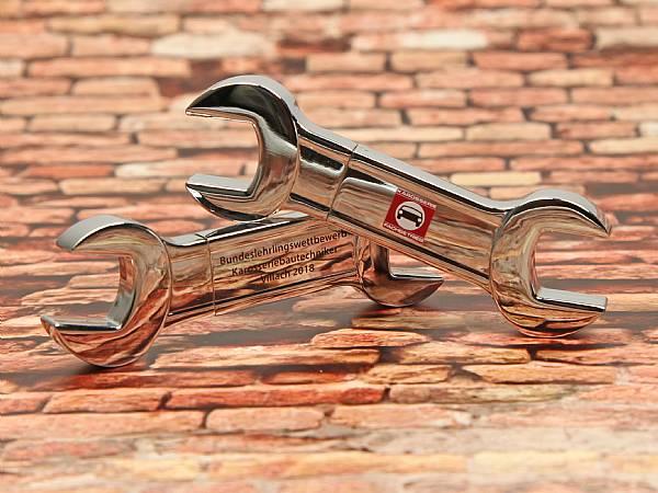 usb stick metall schraubenschluessel handwerk werkzeug logo