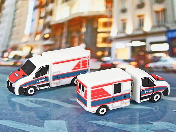 usb stick polizei auto kastenwagen transporter