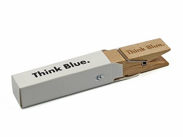 USB Sticks Wäscheklammer ausgefallen vw logo gravur think blue