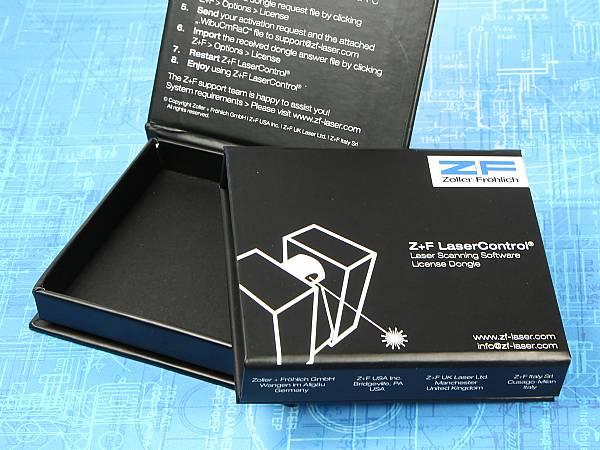 verpackung individuell schwarz box weiss bedruckt