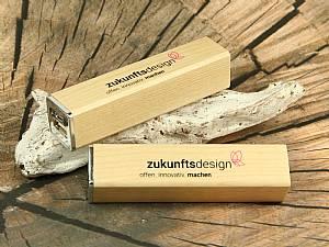 PowerForest, Power Bank aus Holz, mobiles Ladegerät mit Holzgehäuse, rechteckig