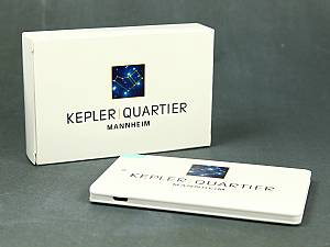 PowerCard Powerbank schlichter & leichter weißer mobiler Akku im Kartenformat 1800 mAh - 2300 mAh